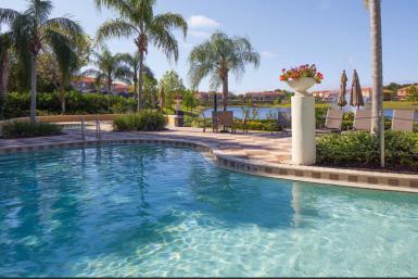 Resort_poolview
